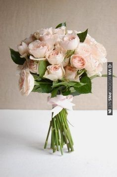 bouquet with spray roses. | CHECK OUT MORE IDEAS AT WEDDINGPINS.NET | #weddings #weddingflowers #weddingbouquets #bouquets