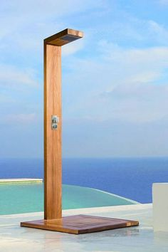 contemporary outdoor shower design - Gayenk dot Com Outdoor Pool Shower, Outdoor Shower Fixtures, Outdoor Baths, Outdoor Bathrooms, Swimming Pool Landscaping, Luxury Swimming Pools, Small Backyard Pools, Outside Showers, Douche Design