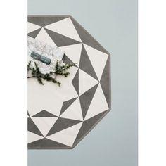 Tapis octogonal gris et blanc - Tapis design par @fermliving
