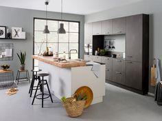 TARTINI - Een basis van zwart, wit en hout is de perfecte combinatie voor in industriële keuken.