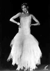 Josephine Baker Musical star, actress, member of the French Resistance and civil rights activist. Vintage Glamour, Vintage Girls, Vintage Black, Josephine Baker, Roaring 20s Wedding, African American Culture, Black Actors, Vintage Hollywood, Classic Hollywood