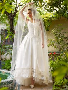 40 Ideas For Dress Wedding Boho Bridal Style 50s Style Wedding Dress, Wedding Dress 2013, Amazing Wedding Dress, Tea Length Wedding Dress, Designer Wedding Dresses, Bridal Style, 50s Wedding, Lace Wedding, Wedding Unique