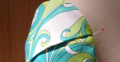 Today's sleeve is a twist on a very traditional sleeve, the PetalSleeve. Since it's a twist, I'm calling this sleeve   The Twisted Petal S...