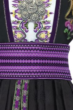 Purple Telemark Purple in Norway! Inkle Weaving, Inkle Loom, Tablet Weaving, Card Weaving, Norwegian Clothing, Weaving Projects, Folk Costume, My Heritage, Traditional Dresses