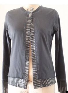 T-shirt jacket. Very cool double layer look. Use 2 interesting prints, print n stripe, or print n solid color. : T-shirt jacket. Very cool double layer look. Use 2 interesting prints, print n stripe, or print n solid color. Diy Clothing, Sewing Clothes, Diy Vetement, Altered Couture, Shirt Refashion, Altering Clothes, Shirt Jacket, Diy Fashion, Punk Fashion