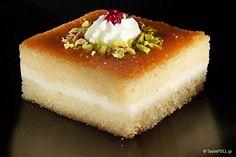 Το γεμιστό Ρεβανί με κρέμα αλλά και το σκέτο Ρεβανί είναι γέννημα της Κωνσταντινούπολης. Το Ρεβανί, αυτό το ψηλό, περήφανα καμαρωτό, σιροπιαστό γλυκό Greek Sweets, Cheesecake, Desserts, Cakes, Recipes, Tailgate Desserts, Deserts, Cake Makers, Cheesecakes