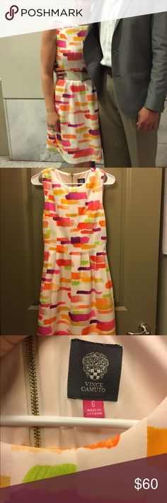 Worn 1X Vince Camuto Printed Dress Worn once for a party, then dry cleaned. Fit and flare style. Beautiful gold zipper on the back. Thick material with a lining in the skirt. Says size 6 but fits more like a 4 Vince Camuto Dresses Mini