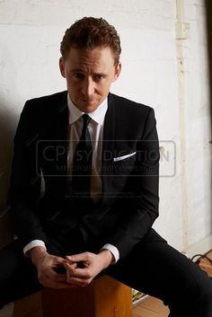 Tom Hiddleston by Lorenzo Agius. Via Torrilla.