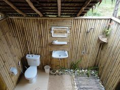 Impressive World Best Outdoor Bathroom Design, World Best Outdoor Bathroom Designs aren't adequate spaces. They are not just Outdoor bathrooms anymore and some principles of modern Outdoor bathroom. Outdoor Pool Bathroom, Outdoor Toilet, Bamboo Bathroom, Outdoor Baths, Outdoor Showers, Bathroom Plants, Garden Bathroom, Bathroom Green, Bamboo Wall