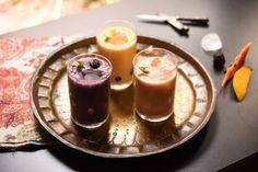Lassi de fruta - Na cozinha da Helô Lassi, Panna Cotta, Ethnic Recipes, Indiana, Indian Dishes, Different Fruits, Yogurt, Juices, Spices