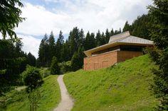Elmar Ludescher and Philip Lutz - Umbrüggler Alm, a restaurant and refuge for hikers, Innsbruck 2016. Photos © the architect. [[MORE]]
