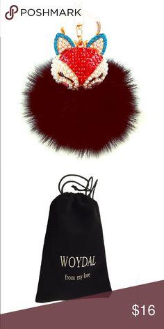 Artificial fox fur with pearl rhinestone keychain Material: artificial fox fur Handmade, diamond pearl fox head Soft, lightweight material, adorable style Accessories Key & Card Holders
