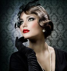 From pin-up hairstyles, to finger waves, retro bobs and more, get inspired by these vintage hairstyles from the & even Holiday Hairstyles, Retro Hairstyles, Wedding Hairstyles, Gatsby Hairstyles, Pelo Retro, Estilo Retro, Finger Waves, Finger Curls, Pin Curls