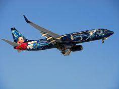 WestJet Boeing B737-800 (Disney Magic)