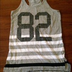 Old Navy Tank top In great condition! Old Navy Tops Tank Tops