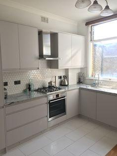 New Kitchen Remodel Narrow Ideas Kitchen Room Design, Kitchen Cabinet Design, Kitchen Sets, Home Decor Kitchen, Interior Design Kitchen, New Kitchen, Modern Kitchen Cabinets, Contemporary Kitchen Design, Cuisines Design