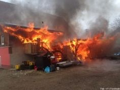 Brand eines Anbaus breitet sich auf Gaststätte aus http://www.feuerwehrleben.de/brand-eines-anbaus-breitet-sich-auf-gaststaette-aus/ #feuerwehr #firefighter