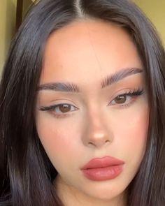 Bronzy look for summer by hayley bui fillers kiss natural shape women lipstick Glowy Makeup, Cute Makeup, Pretty Makeup, Simple Makeup, Natural Makeup, Natural Lips, Peachy Makeup Look, Flawless Skin Makeup, 90s Makeup Look