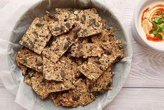 Semienkové krekry – www.lowcarbposlovensky.sk Cereal, Low Carb, Cookies, Breakfast, Desserts, Food, Crack Crackers, Morning Coffee, Tailgate Desserts