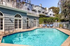 Exquisite 3BR Malibu Townhome w/Wifi, Large Wraparound Balcony & Pool Access - Close Proximity to Pepperdine University, Beaches & More! #malibu #travel