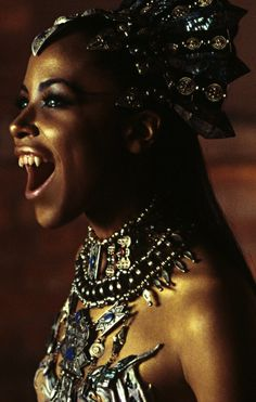 Aaliyah | Queen of the Damned (2002)