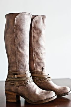 Wandering Road Boots