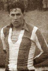 Adelino Augusto Catolino Monteiro nasceu no dia 16 de Abril de 1921 na cidade do Porto. Foi mais um dos muitos jogadores que brilharam com a camisola do Futebol Clube do Porto. Vestiu pela primeira vez a camisola azul e branca na temporada de 1944/45, que usou durante quatro épocas consecutivas. Esteve presente na festa de despedida do seu companheiro de equipa, Artur de Sousa (Pinga). Na temporada de 1945/46, era um dos titulares quando os portistas receberam à terceira jornada o Atlético…