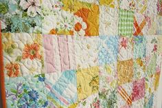 Pretty Patchwork Quilt made from Vintage Sheets Vintage Sheets, Vintage Quilts, Vintage Fabrics, Vintage Linen, Vintage Floral, Fat Quarter Quilt, Living Vintage, Easy Quilts, Scrappy Quilts