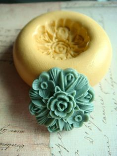 Victorian Rose Bouquet  Flexible Silicone Mold  Push Mold by Molds