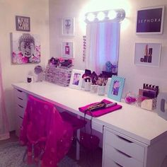 Make it the length of closet and put tv on it and cable box and stuff under it?? Possibly Vanity Decor, Vanity Ideas, Vanity Set, Vanity Room, Makeup Beauty Room, Makeup Desk, Makeup Rooms, Makeup Vanities, Makeup Organization