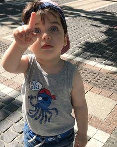 "27.4 mil curtidas, 125 comentários - Sabrina Velibek (@sabrivelibek) no Instagram: """" Cute Baby Boy, Cute Little Baby, Little Babies, Baby Kids, Pretty Kids, Cute Kids, Cute Baby Pictures, Baby Photos, Beautiful Children"