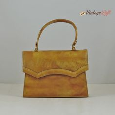 Handbag 70's for ceremonies and a perfect vanity look