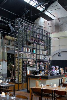 The Best Vintage Industrial Bar And Restaurant Design Ideas – Bar Stools Furniture Cafe Bar, Modern Restaurant, Vintage Restaurant, Bar Lounge, Commercial Design, Commercial Interiors, Budapest Cafe, Bar Deco