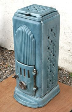 A striking Art Deco tower stove design based on the 'Empire State' building.
