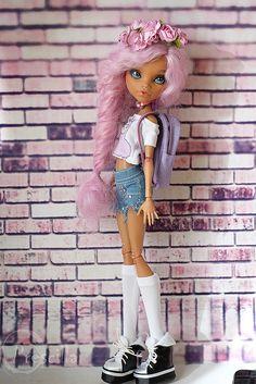 Monster high doll OOAK Howleen wolf Monster high doll OOAK Howleen wolf Source by c Monster High Doll Clothes, Custom Monster High Dolls, Monster Dolls, Custom Dolls, Monster High Repaint, Monster High Lagoona, Bjd Doll, Ooak Dolls, Art Dolls