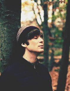 """""""If you behave like a celebrity, then people will treat you like a celebrity, and if you don't, they won't. There's not much to write about me in the tabloids."""" - Cillian Murphy"""
