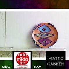 """Piatto """"Gabbeh"""" Materiale - Raku Dimensioni - cm 30  Un motivo in più per visitare http://artemidatre.com/  #Colore #Art #Piatto #Ornamento #Oggetto #Idea #Lusso #Skill #CasaModerna #Arredamento #newdesign #DesignModerno #Galleria #ArtGallery #Raku #Prestigio"""