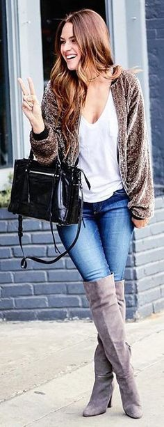 Brown Faux Fur Coat / White Blouse / Bleached Skinny Jeans / Brown Boots / Black Leather Tote Bag