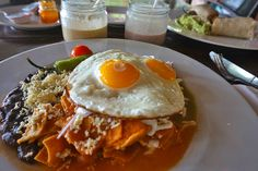 Traveling & Eating: Mexico Part 1 Chilaquiles