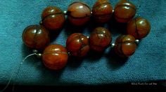 Bold, Cool, Old, with the color just carnelian stone has, this set of beads17 mm to 20 mm from probably Upper Asia -Nepal, Tibet- are antiques -authentic, not the copies that are appearing sometim…
