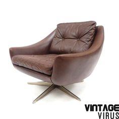 [:en]Mid century Danish design leather swivel chair [:nl]Vintage Deens design leren draaifauteuils