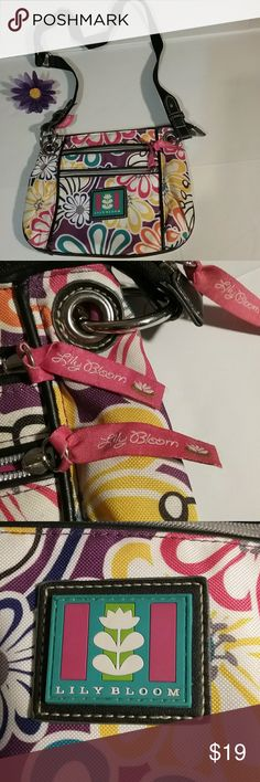 Lily Bloom Bag Pretty bright colorful cross body purse. Great condition. Lily Bloom Bags Crossbody Bags
