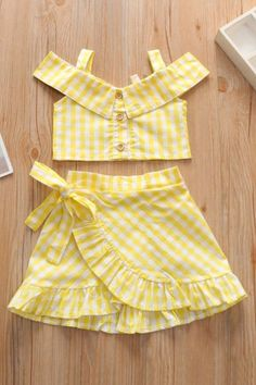 Baby Girl Dress Design, Girls Frock Design, Kids Frocks Design, Baby Frocks Designs, Girls Top Design, Girls Summer Outfits, Little Girl Outfits, Little Girl Fashion, Toddler Girl Dresses