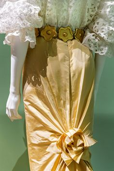 Oscar de la Renta gown detail