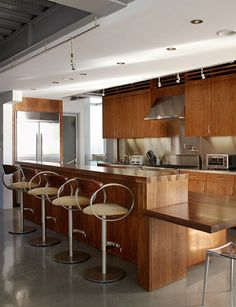 Great dovetail island (Venice Beachfront Modern Kitchen by Cliff Spencer Furniture Maker)
