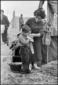 TODOS LOS ROSTROS: 46 fotos de niños y niñas republican@s. Heridos, muertos, refugiados, asustados...: La Memoria al servicio de la Justicia. Día 59