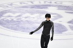 SAPPORO -- Figure skater Yuzuru Hanyu hit the ice at the Makomanai Sekisui Heim Ice Arena here on Nov. 24 to practice ahead of the Nov. 25 NHK Trophy.