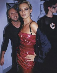 Kate Moss backstage 90' s Runway Show