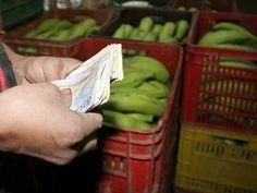 A pesar del acuerdo de precios que anunció el Ministerio de Agricultura, los precios de los alimentos no paran de subir. Baskets, Food Items, Agriculture, Colombia