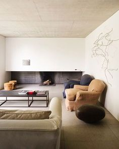 INSPIRATION: Hans Verstuyft master the lived-in feeling in a living room | est living